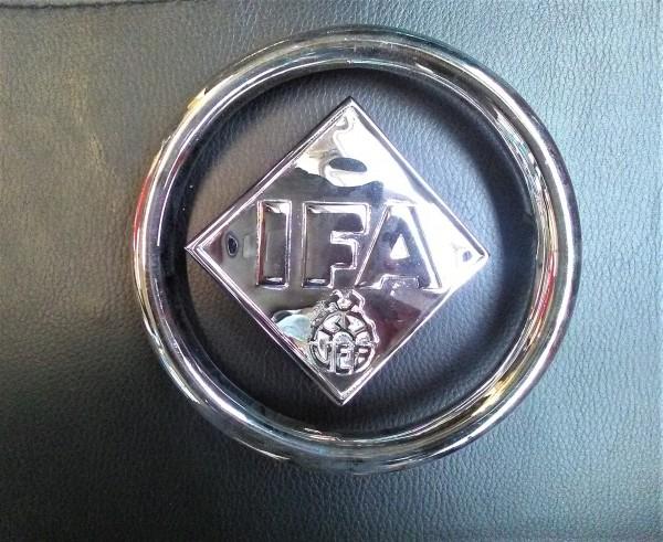 IFA F9 Emblem und Ring für Heckklappe